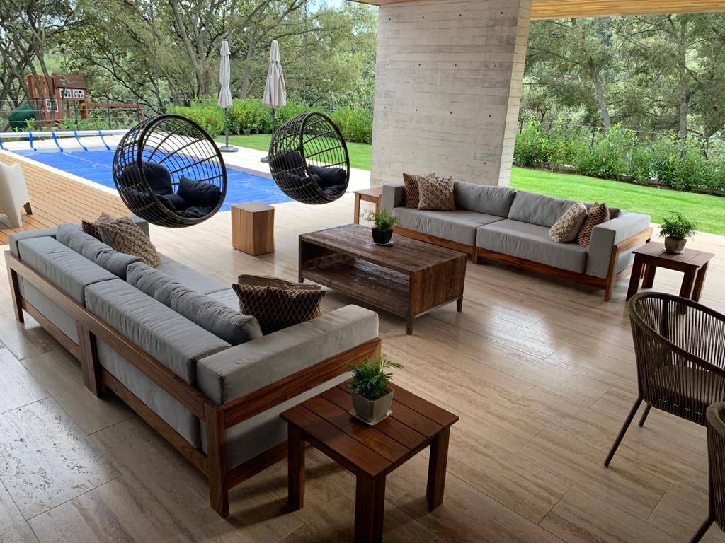 Casa nueva en el Palomar Rodeada de bosque