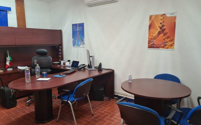 Bodega en renta con oficinas, calle 30 Zona Industrial