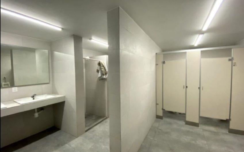 Bodega Moderna con Mobiliario y PANELES SOLARES en renta